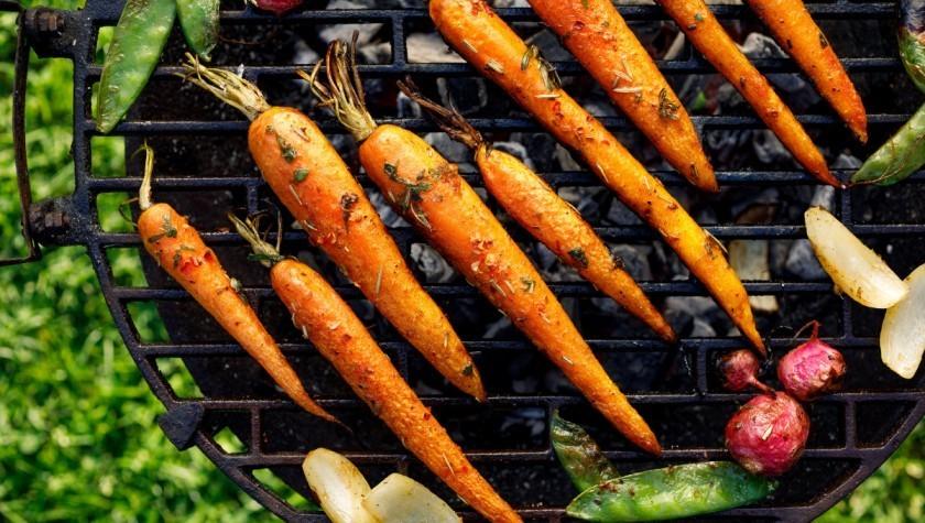 Lemon flavored grilled carrots