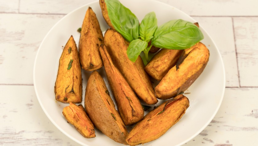 Barbecued sweet potato wedges